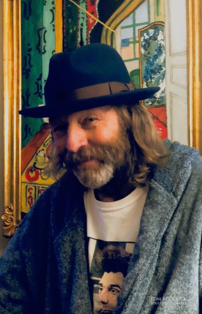 Photo of Boulder portrait artist Tom Roderick.